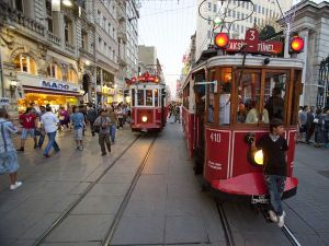 03-istanbul-streetcar_24470_600x450