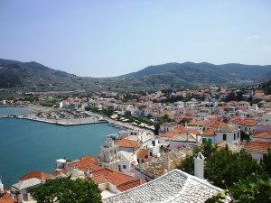 Grad_Skopelos_sa_brda_-_Skopelos_town_from_hill