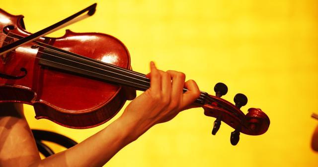 geigenspieler-geige-konzert-klassische-musik-40041-19to1